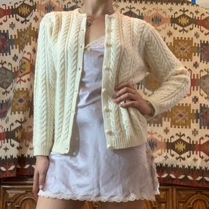 Vintage creme wool cable knit cardigan sweater